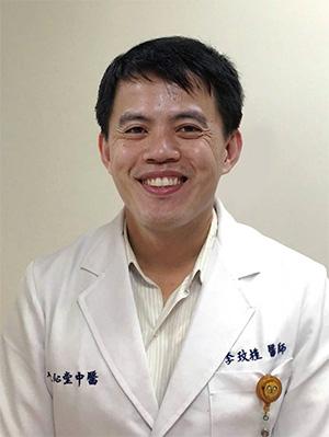 李玟槿醫師表示,人 要保持健康長壽,吃 出健康, 應順應四 時,透過天然的五色 飲食來滋養五臟。