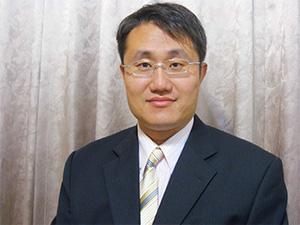 亞洲大學光電與通訊工程學系/生醫資訊與醫學工程學系副教授張剛鳴