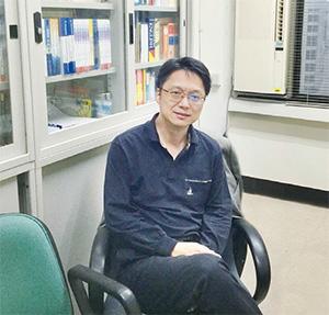 淡江大學歐洲研究所教授卓忠宏