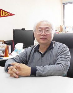 交通大學電機工程學系特聘教授吳炳飛表示,無人車普及,除了技術門檻,還需要法規配套及社會接受度提高。