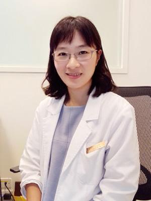 愛群中醫診所院長陳曉萱建議多做腹式呼吸,活化副交感神經,有助於舒緩壓力並維持賀爾蒙穩定,讓代謝、排便正常,有助於減重。