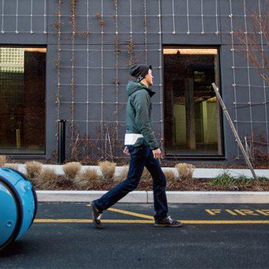 小精靈現實版 跟著你跑的雙輪行李箱