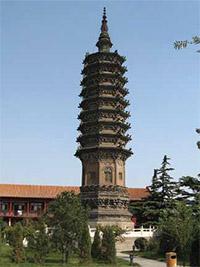 位於中國河北省正定縣臨濟寺澄靈塔的臨濟義玄祖師舍利塔。(資料來源:維基百科