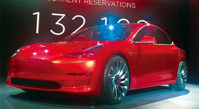 特斯拉Model3平價車款電動車