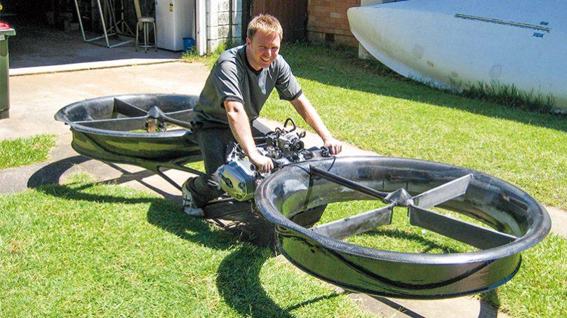 飛行摩托車  穿梭水陸空