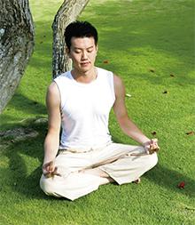 腹式呼吸不但吸進體內的空氣比傳統的胸腔呼吸更多, 還可以紓解壓力