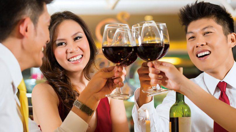 搭建商場友誼的重要橋梁 商宴、春酒、公司聚餐禮儀總整理